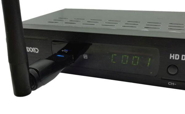0179a9353 Ten dovolí napojení na domácí počítačovou síť bez nutnosti natahovat k  televizoru (set-top boxu), ethernetový kabel.
